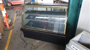 Refrigerated Cake Showcase