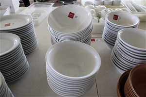 Approx 30x Large Serving Bowls