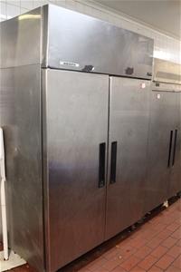 Skope Double Door Standing Freezer