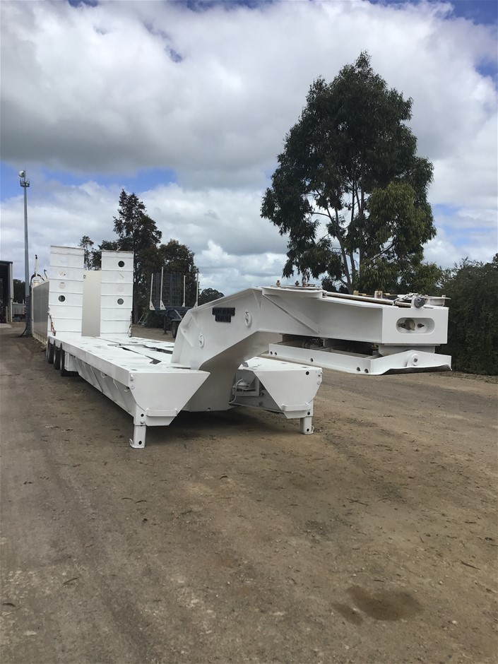 2000 Drake Goose Neck Widening Float Trailer (Mount Gambier S.A)