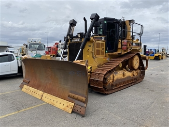 Caterpillar D6R XL Crawler Dozer with Blade & Multi Tyne Ripper