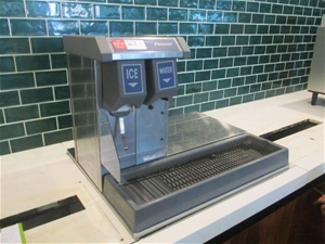 Follett Ice/Water Machine