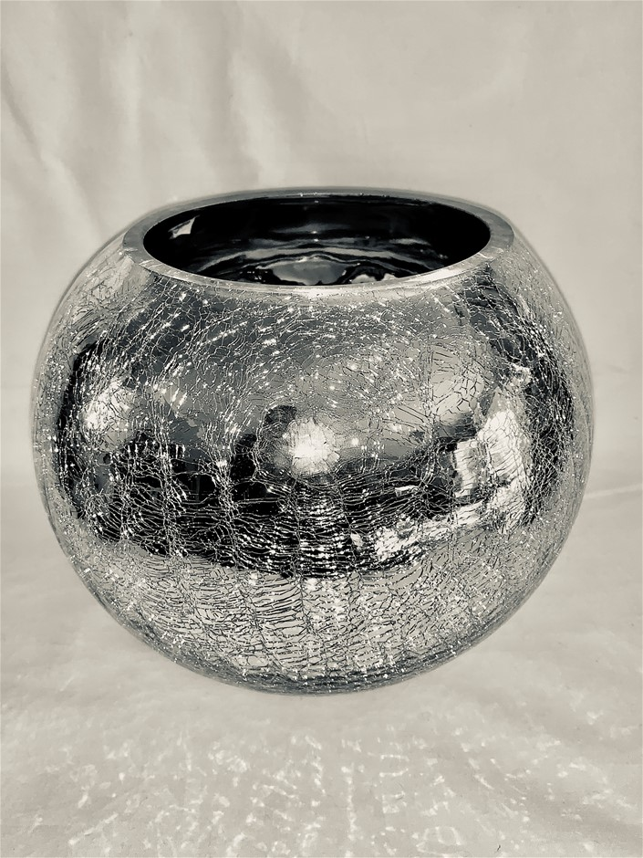 SILVER ROUND GLASS VASE WITH CRACKLED EFFECT (15cm tall, 17cm wide)