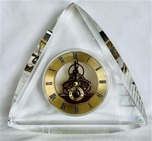 Crystal Clock (18cm x 17cm x 4cm)