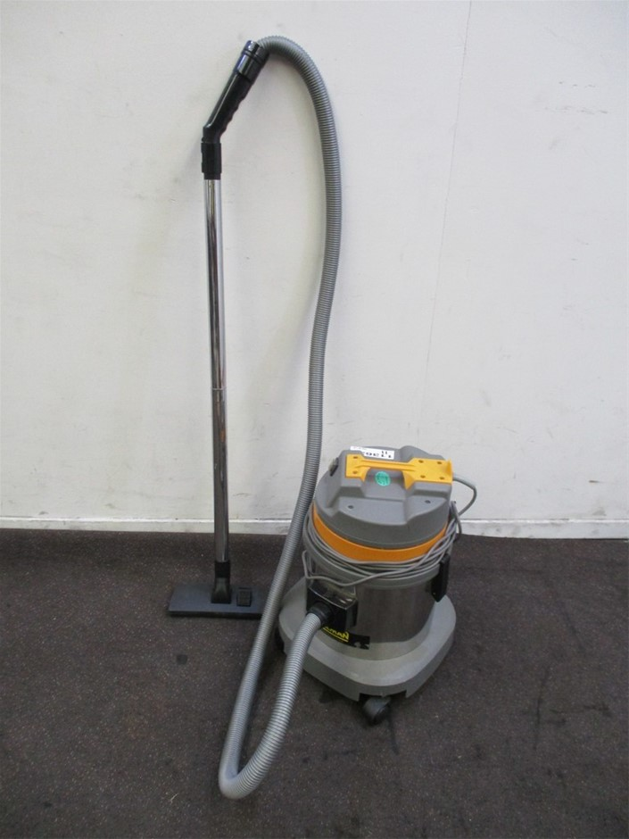 Pullman CB15-Stainless Steel Commercial Vacuum Cleaner