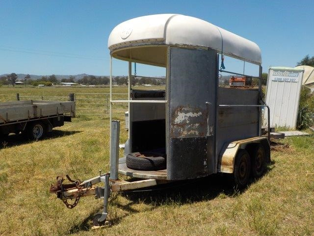Tandem Horse Float Trailer
