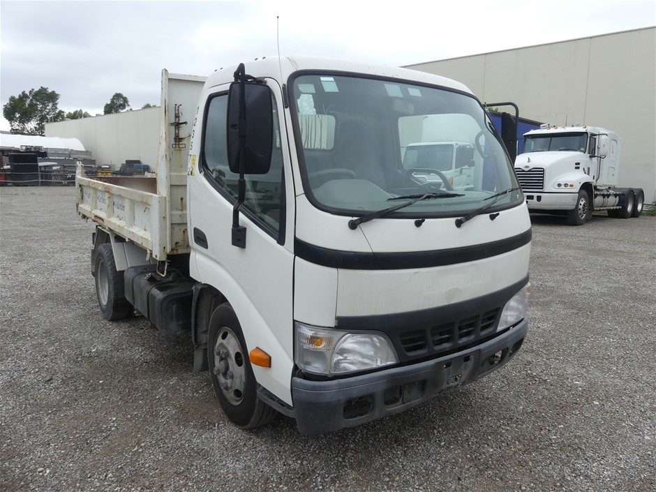 Unknown Year Hino Dutro 4 x 2 Tipper Truck