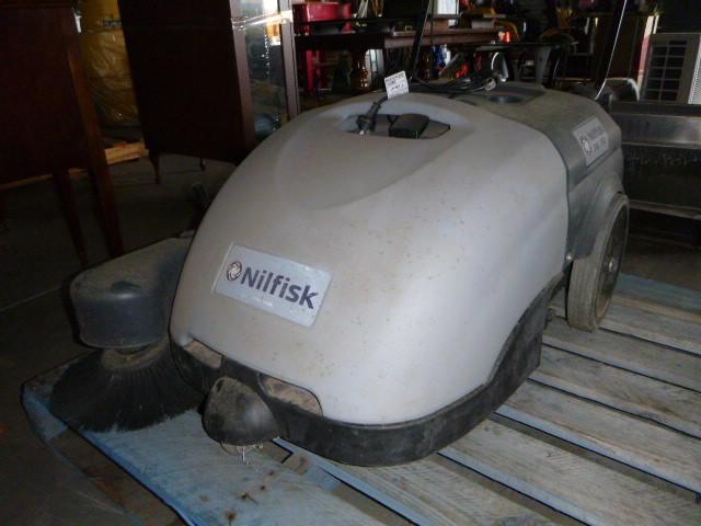Nilfisk SW 750 60L Electric Vacuum/Sweeper