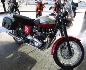 2011 Triumph Bonneville T100 Whitered Auction 0014 3003021