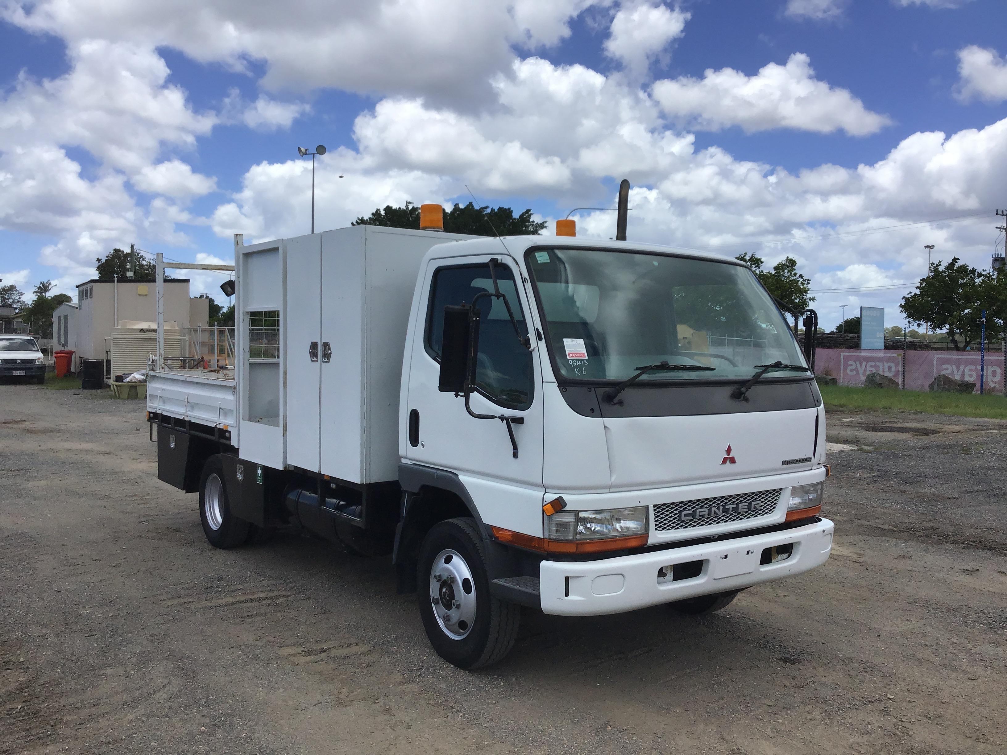 2003 Mitsubishi Canter 4 x 2 Tipper Truck