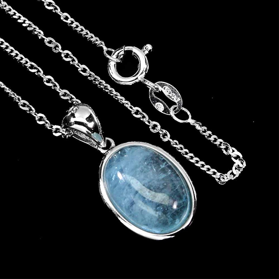 Beautiful Genuine Aquamarine pendant & Chain