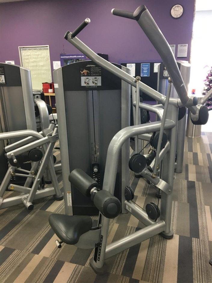 Life Fitness Pull Down Machine