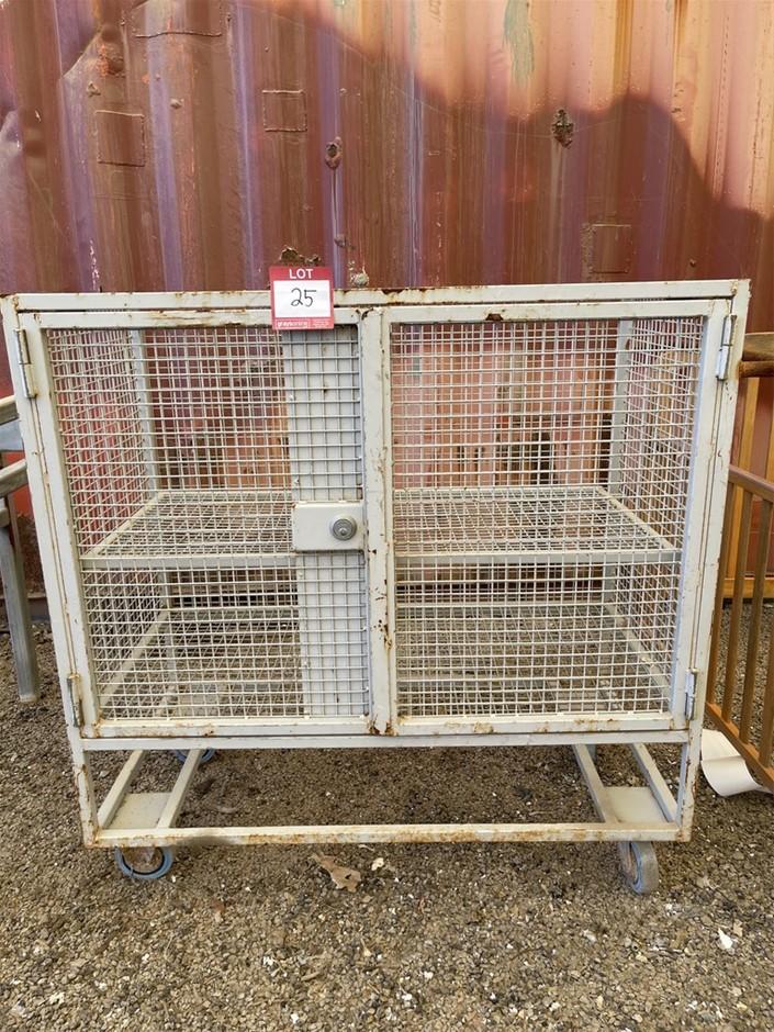 Metal Storage Coop/Case