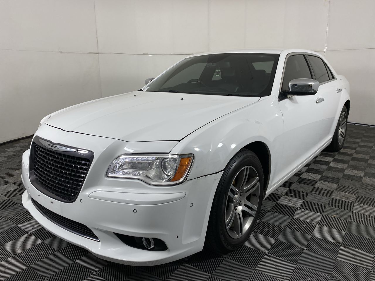 2014 Chrysler 300 C LX Automatic - 8 Speed Sedan(WOVR+Ins)