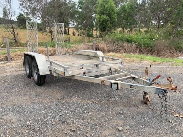 2014 Dual Axel Tilting Plant Trailer