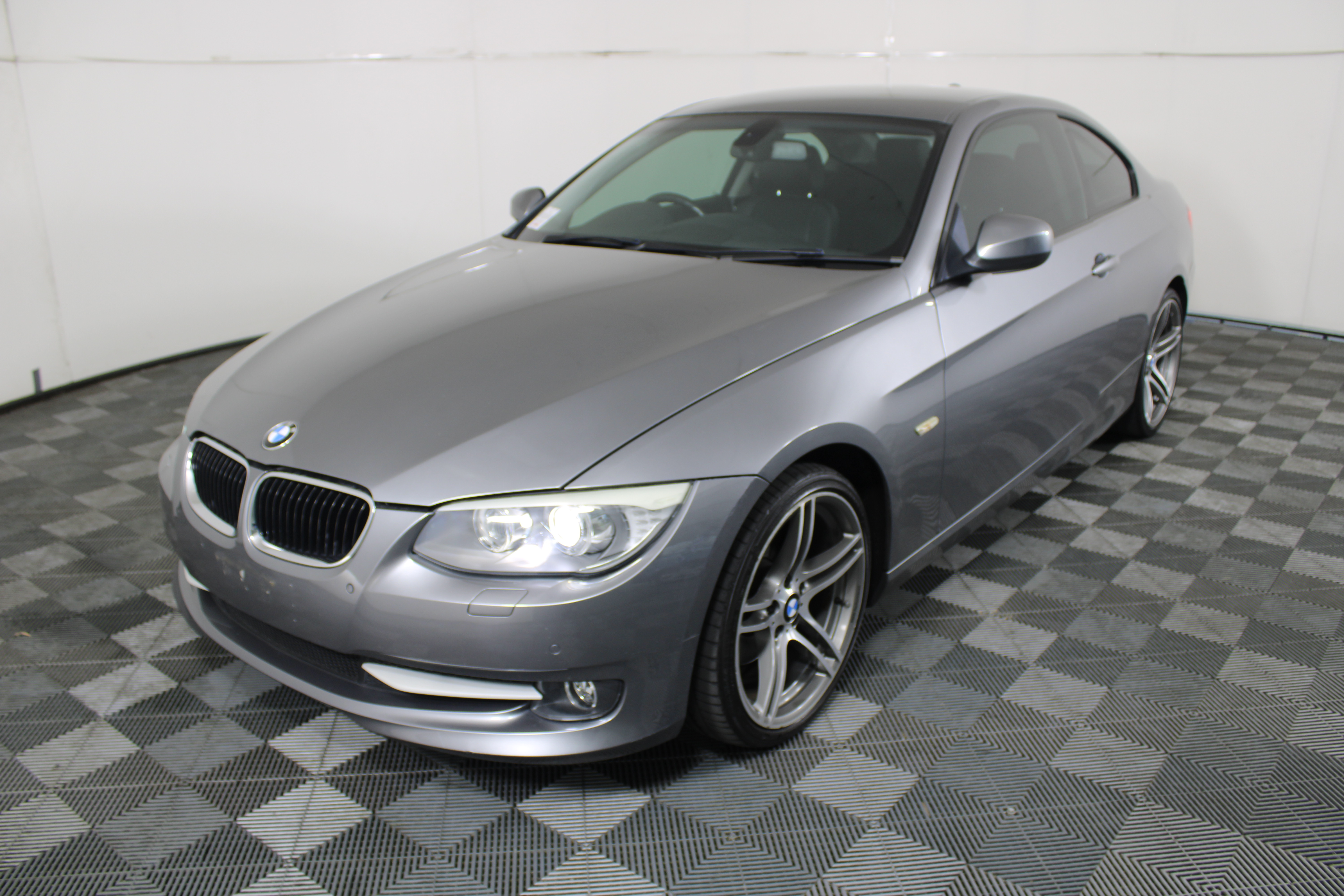 2011 BMW 3 20d Executive Touring E92 Turbo Diesel Automatic Coupe