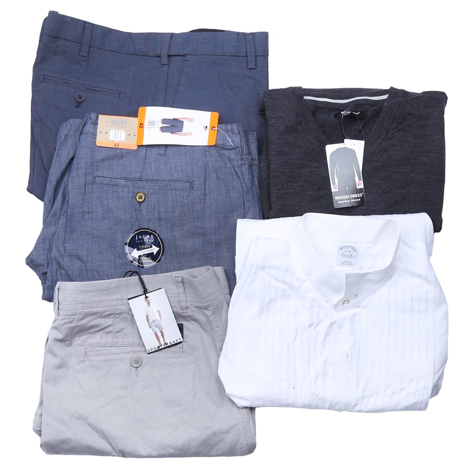 Bag of Mixed Men`s Clothing, Comprised: Signature, Rough Dress & More, Size