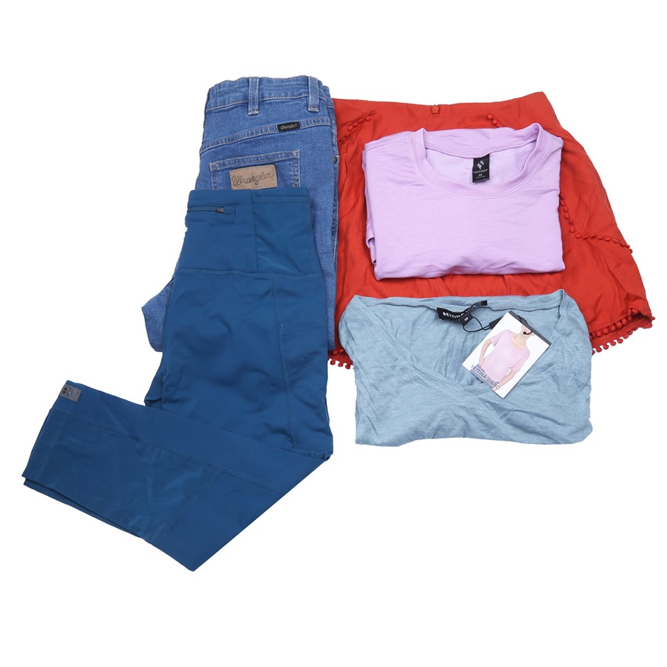 Bag of Mixed Women`s Clothing, Comprised: Wrangler, Finders & More. Buyers