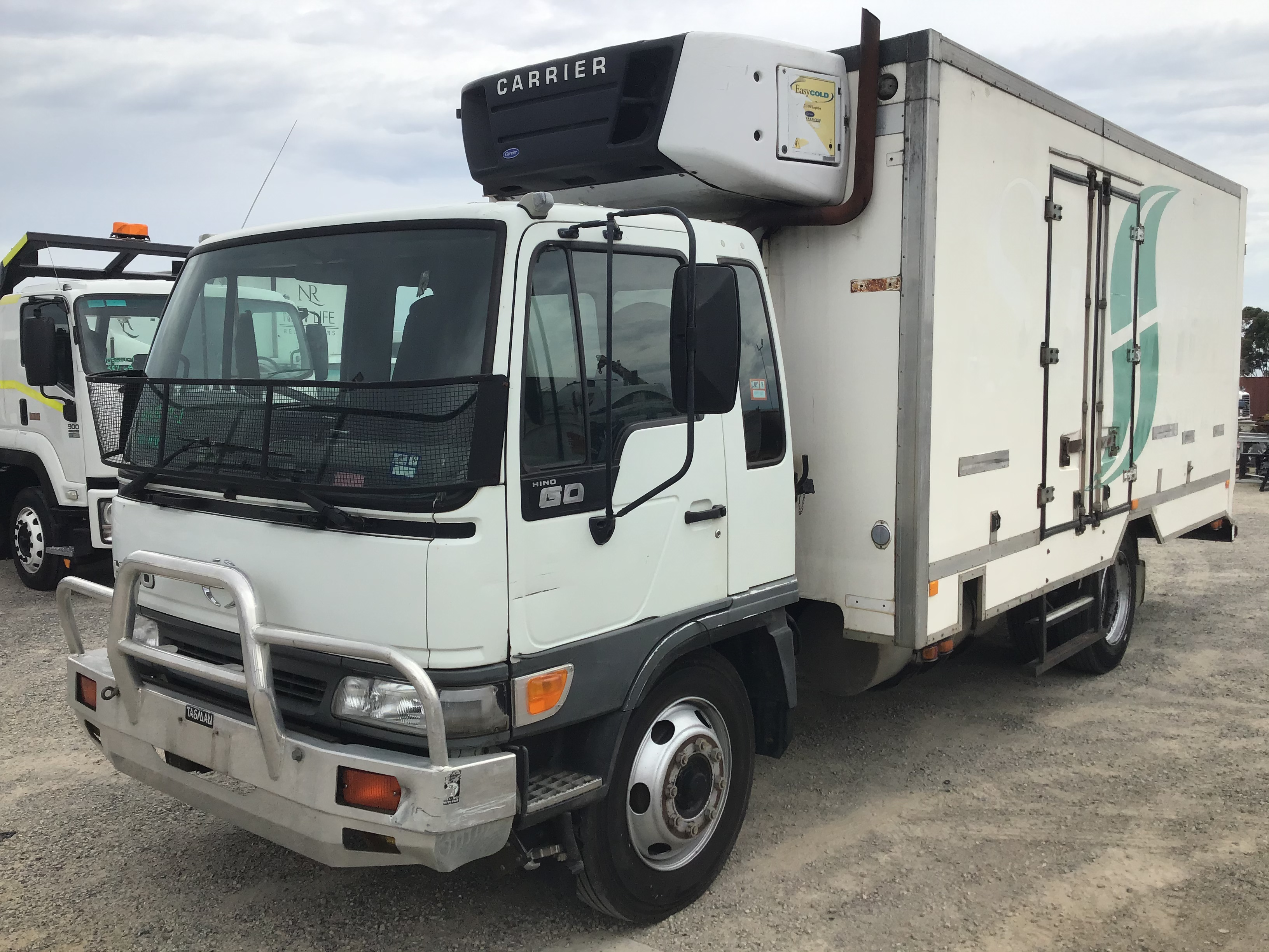 2002 Hino GD 4 x 2 Refrigerated Body Truck