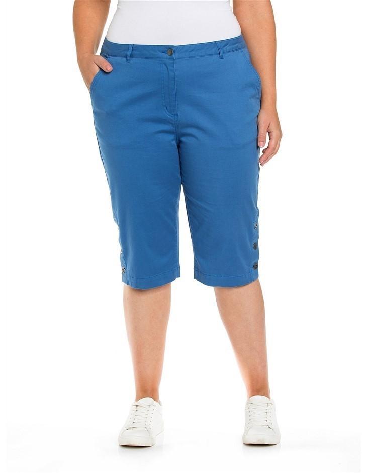YARRA TRAIL PLUS Button Trim Short. Size 18, Colour: Rough Spot Print. Cott