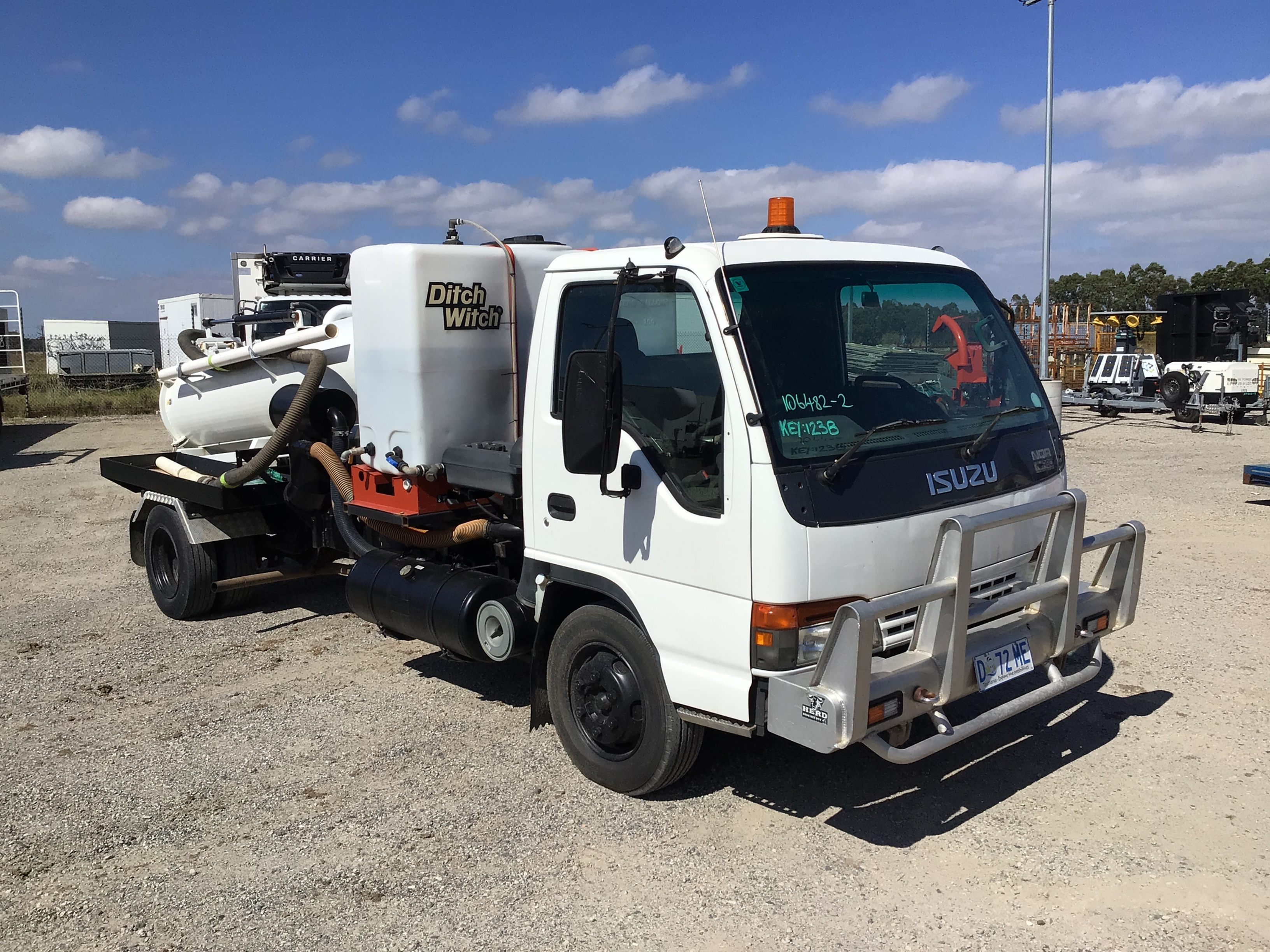 2001 Isuzu NQR 4 x 2 Vacuum Truck
