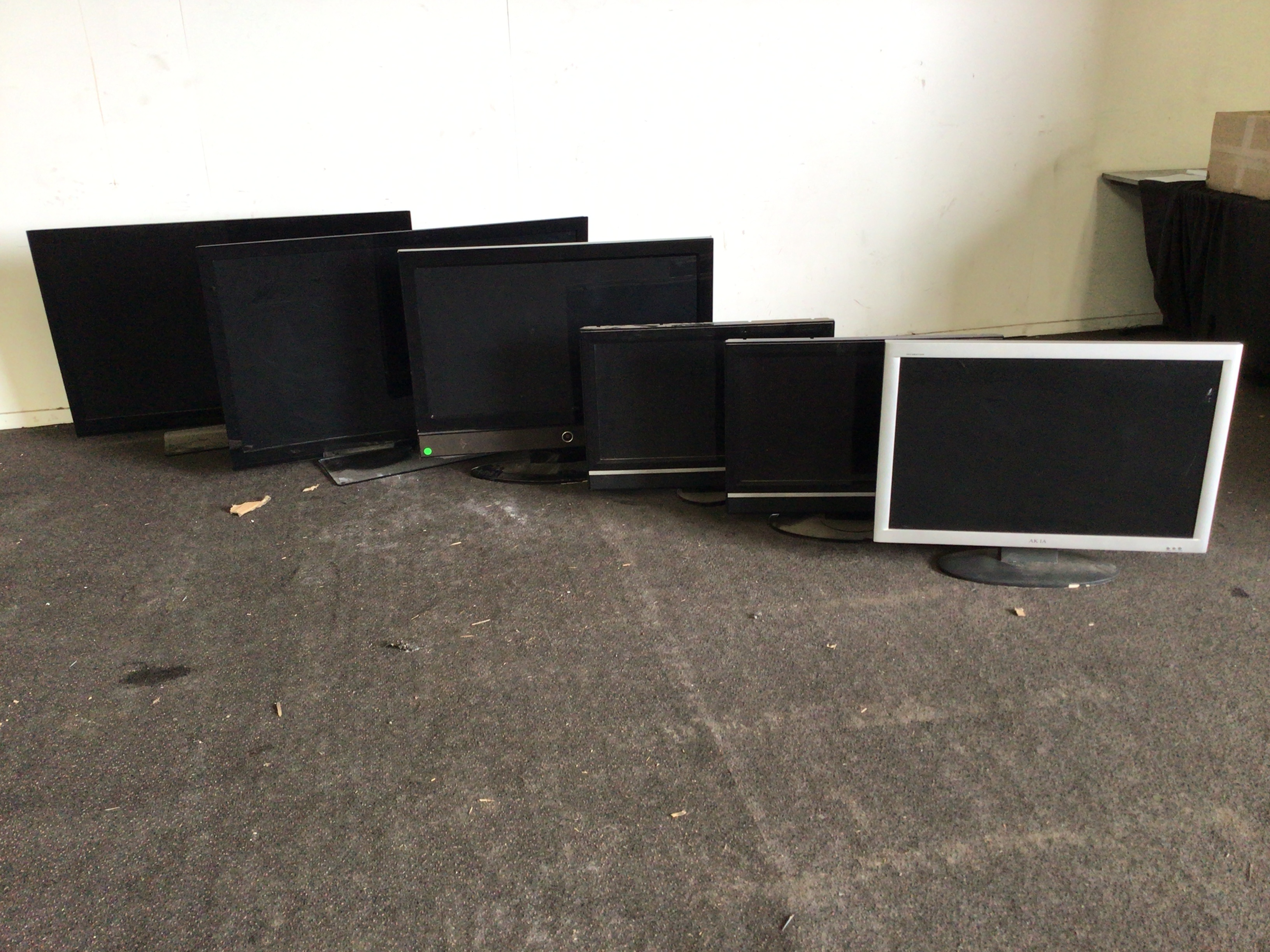 Qty 6 X Fake Televisions