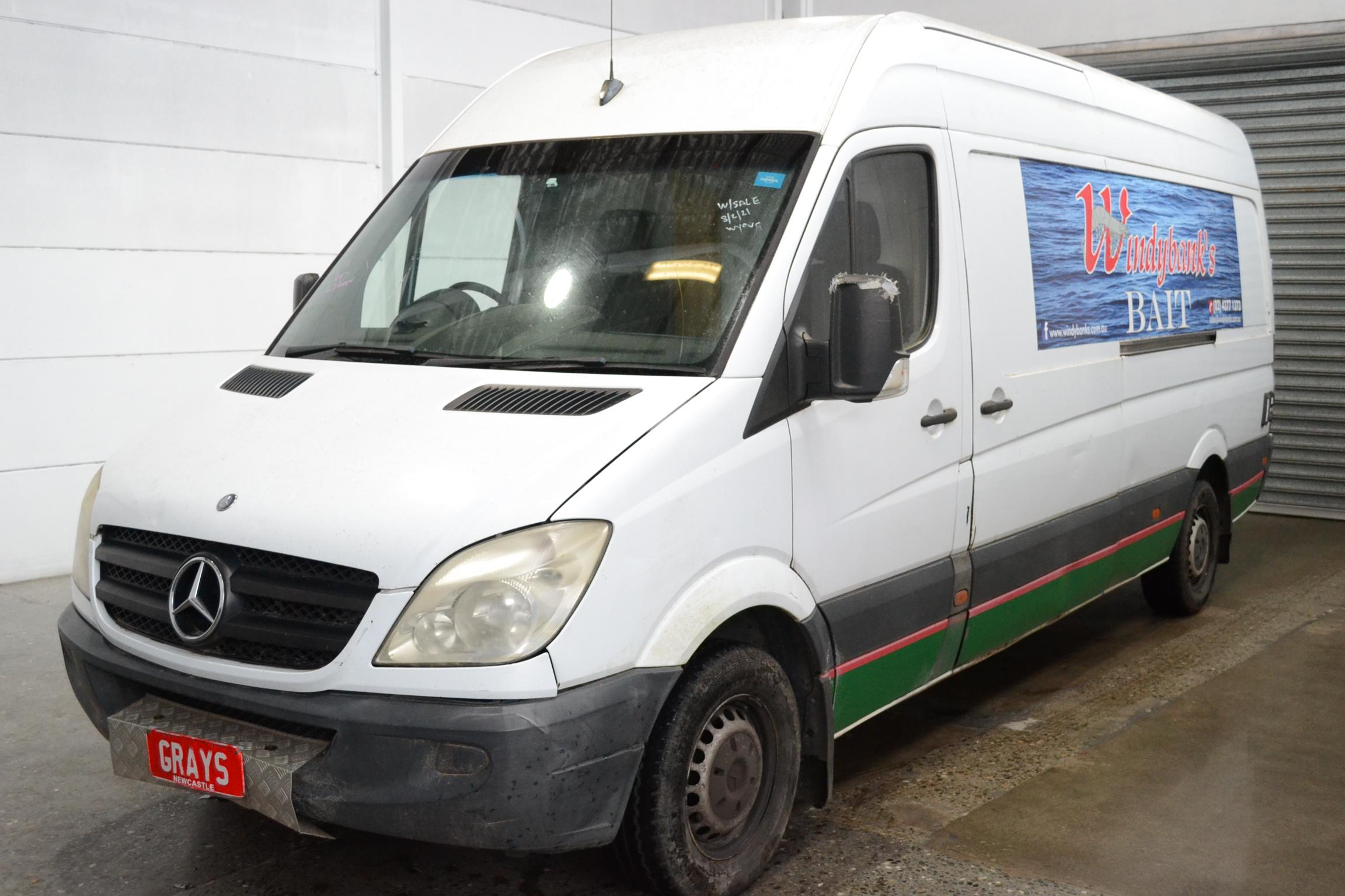 Mercedes Sprinter Auto Van