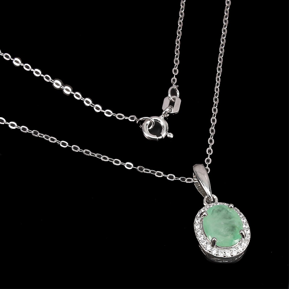 Stunning Sterling Silver Emerald Pendant On Chain