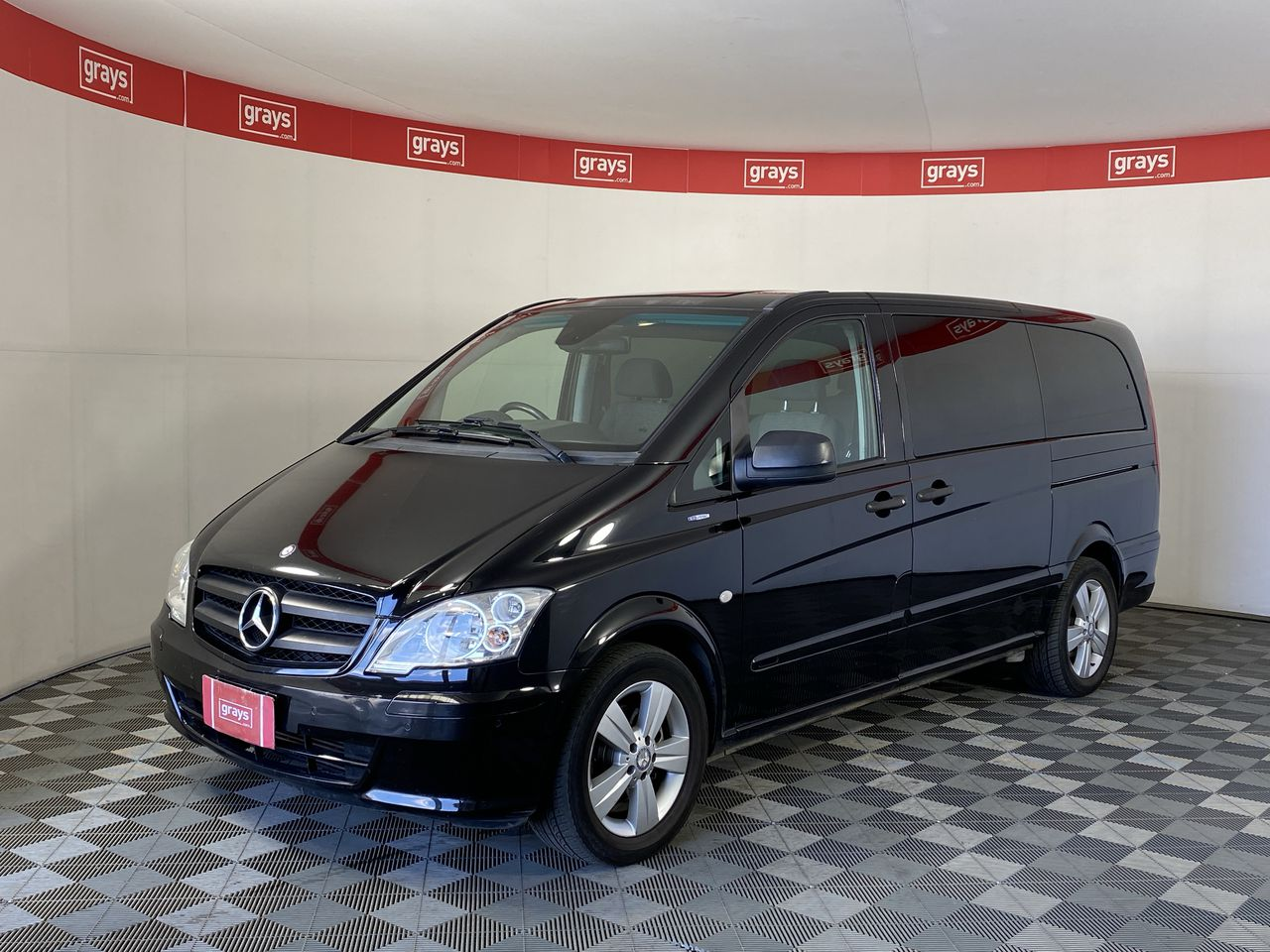 Mercedes Benz VALENTE Turbo Diesel Automatic 8 Seats People Mover