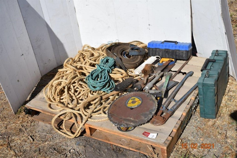 Lot of Assorted Hand Tools and 100mm Vice
