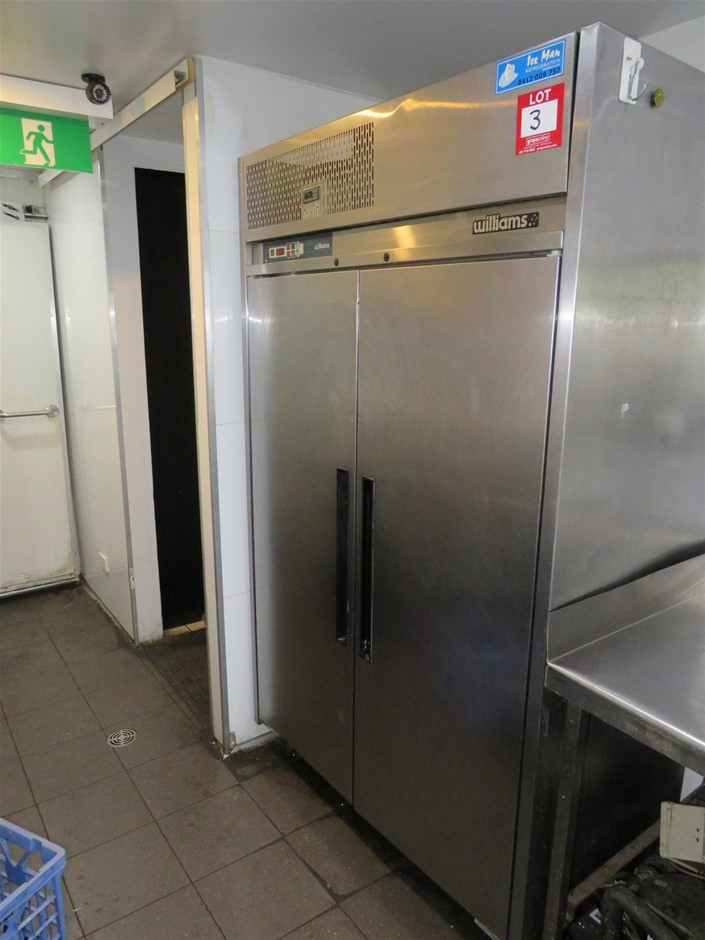 Williams LP2 (SD1SS) 2 Door Commercial Upright Freezer - Non Operational