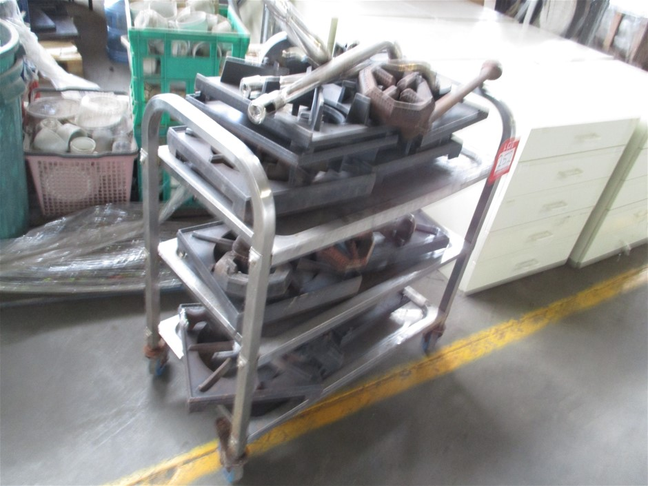 Qty of Various Cast Iron Burners and Plates