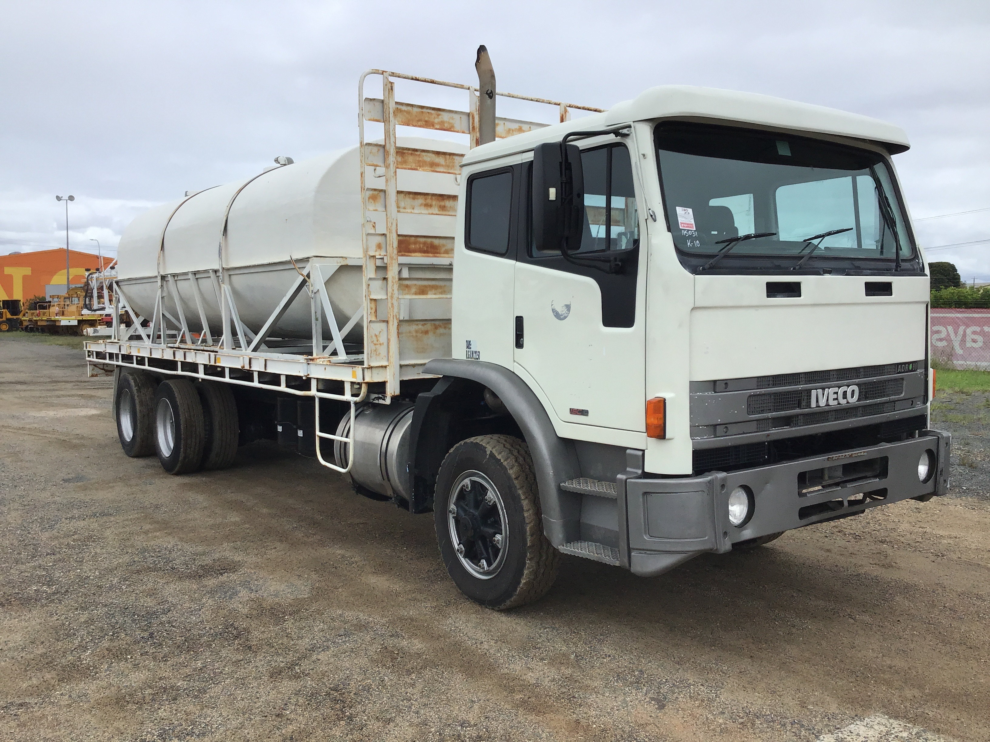 2002 Iveco Acco 6 x 4 Water Truck