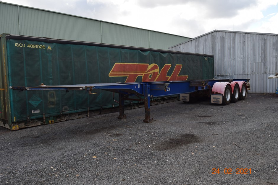 10/2008 ``TCA`` 45` Tri Axle Skel Trailer with 4' Pull Out Extension