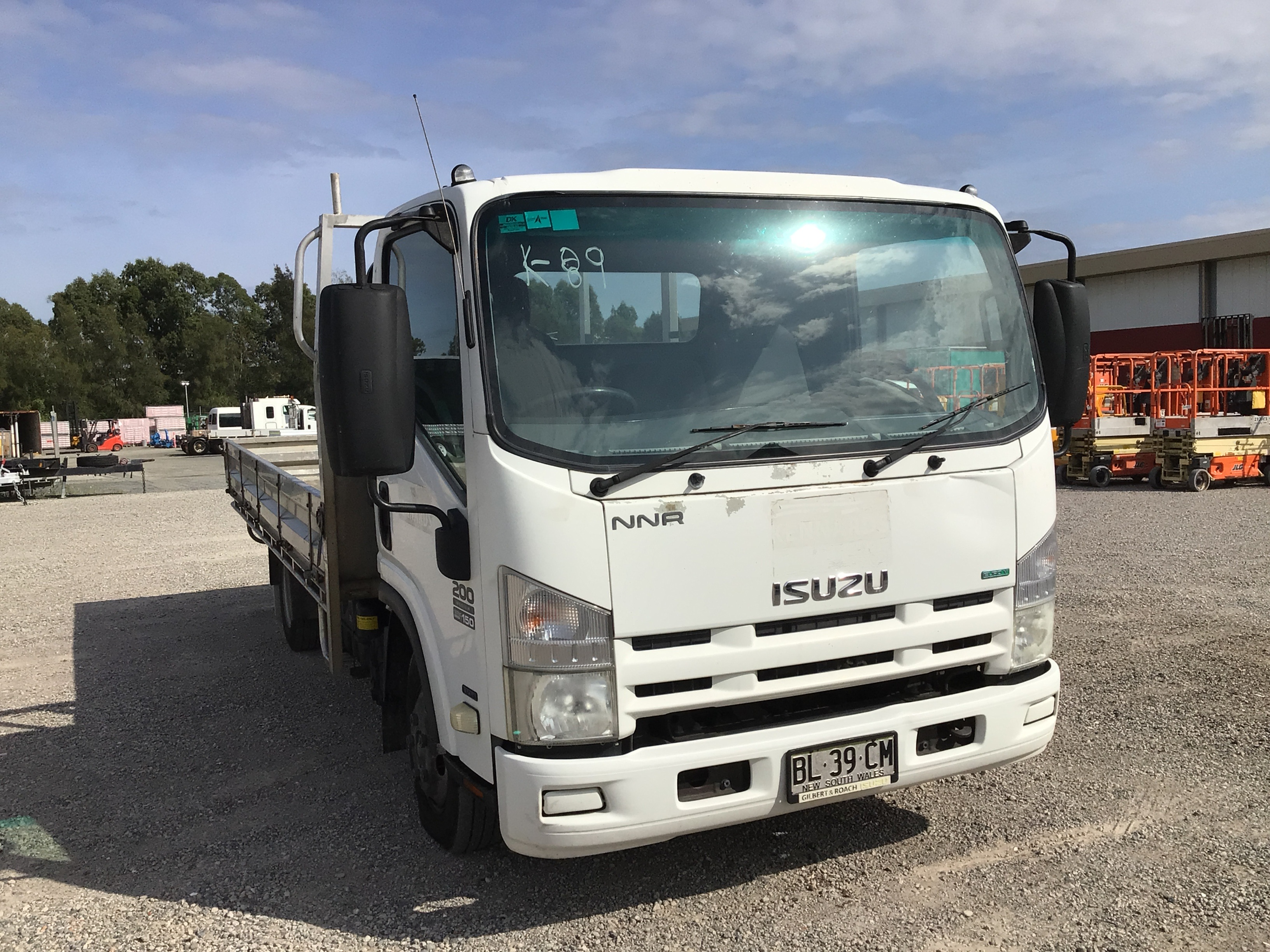 2011 Isuzu NNR 200 Medium 4 x 2 Tray Body Truck