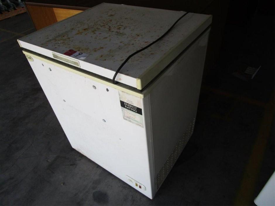 GVA Chest Freezer