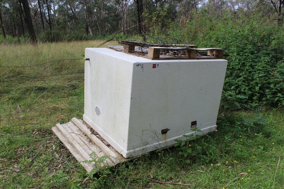 Fibre Glass Open Top Water Tank with Timber Lid