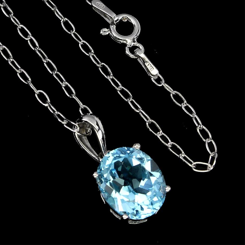 Genuine Sky Blue topaz Necklace & Chain.