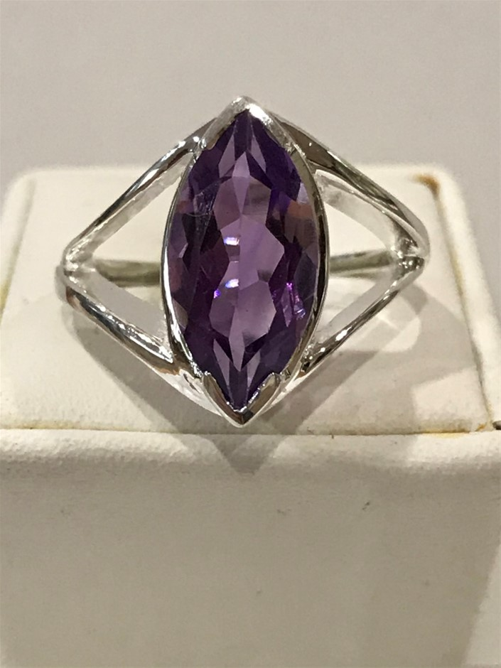 Beautiful Amethyst Genuine 3.00ct & Ring. Size L (6 )