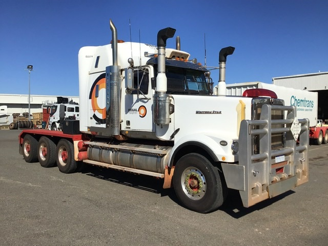 2013 Western Star 6900FX 8 x 6 Prime Mover Truck