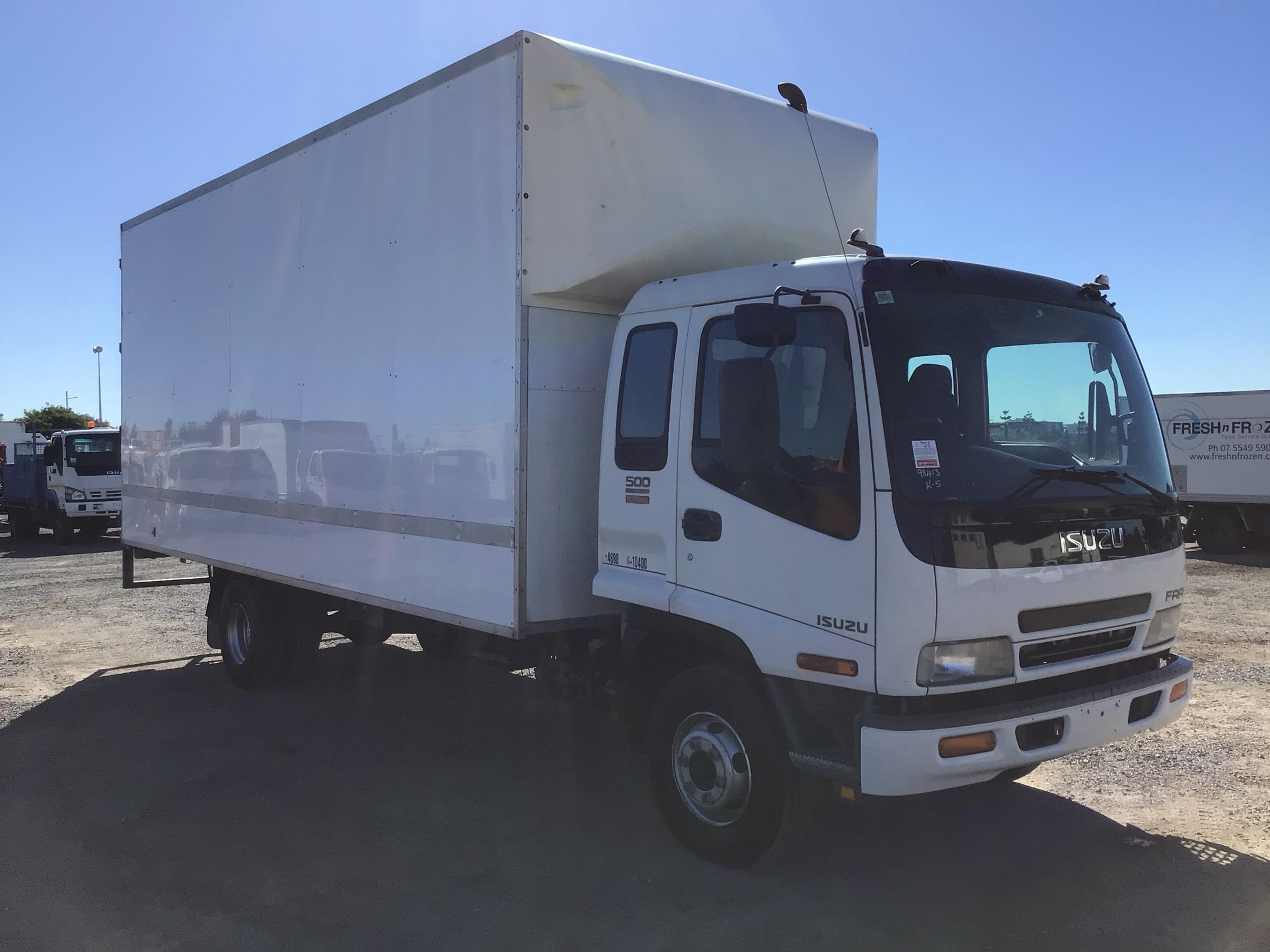 2003 Isuzu FRR500 4 x 2 Pantech Truck