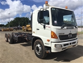 Unreserved 2010 Hino FM 6 x 4 Cab Chassis Truck