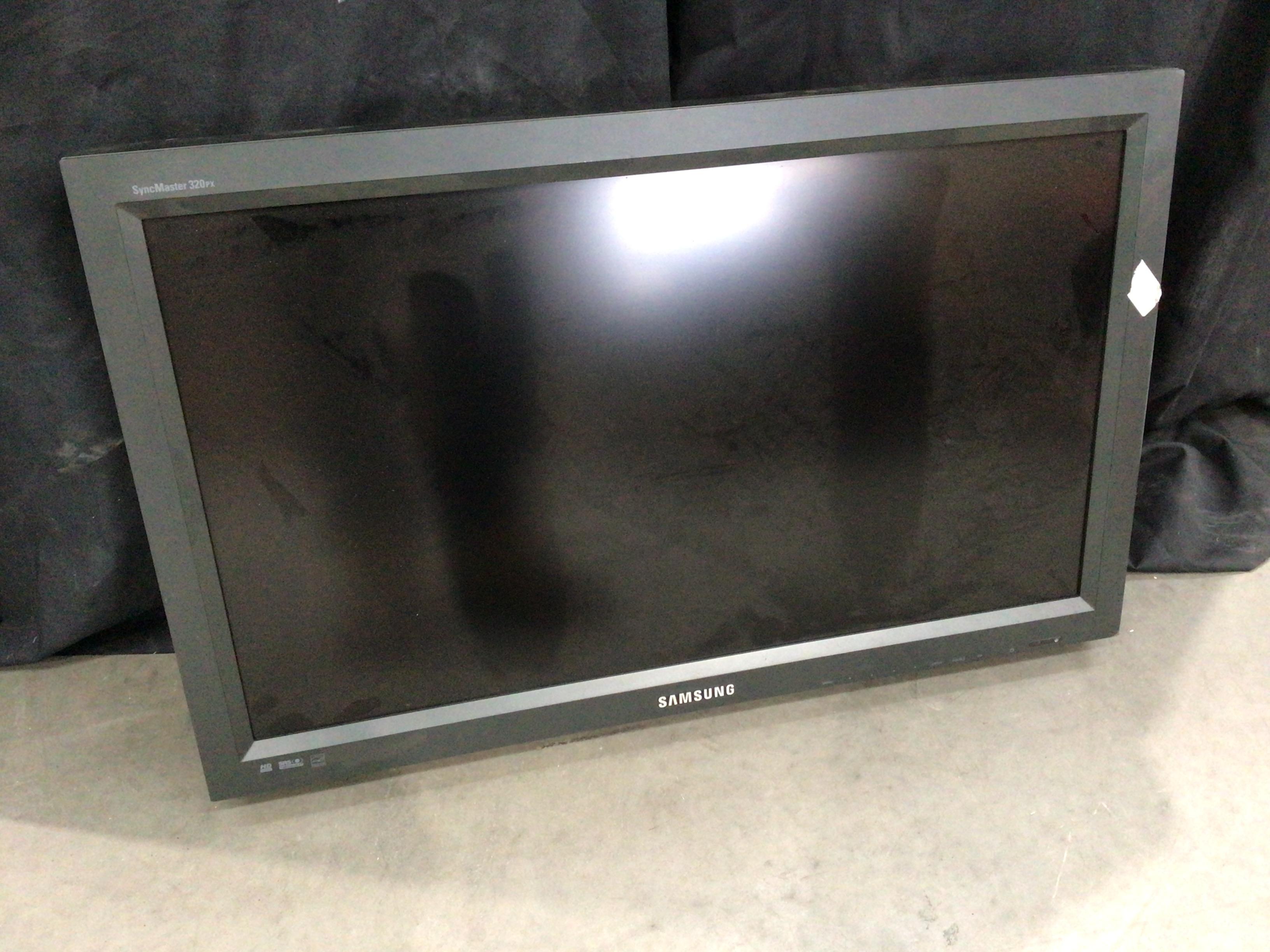 "32"" LCD Display"