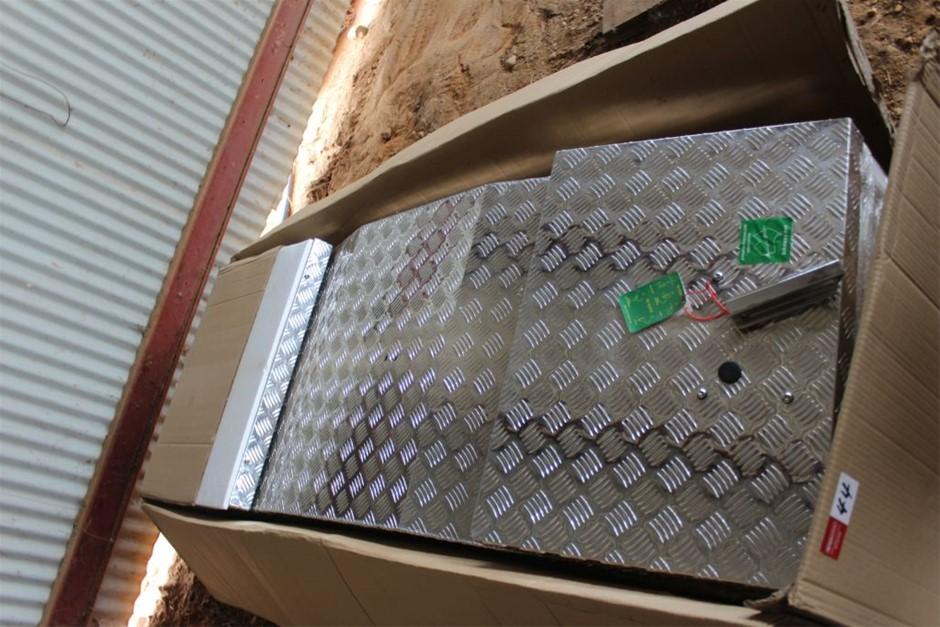 Unused Alloy Tray Mount Tool Box