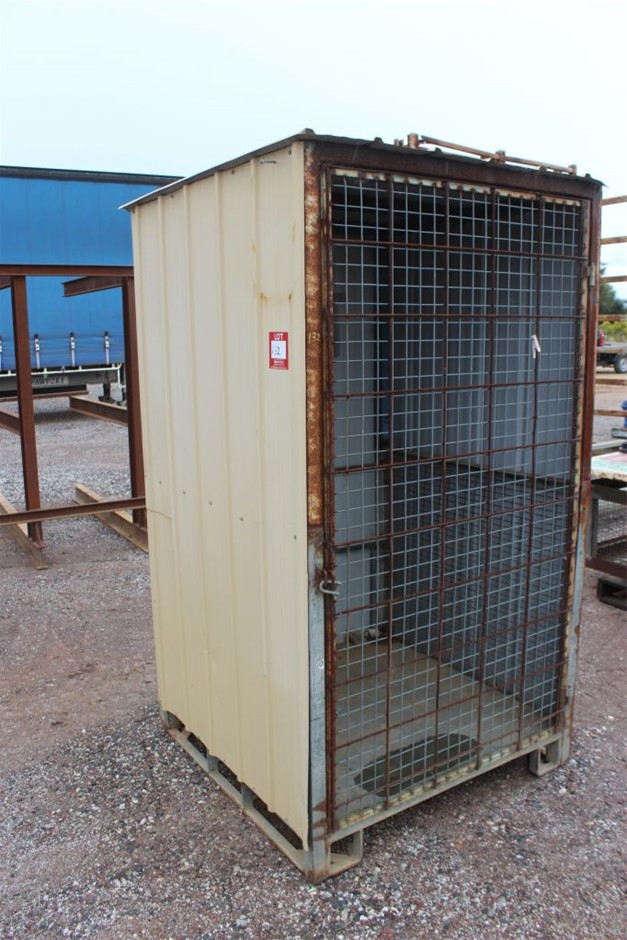 Portable Lock up Cage