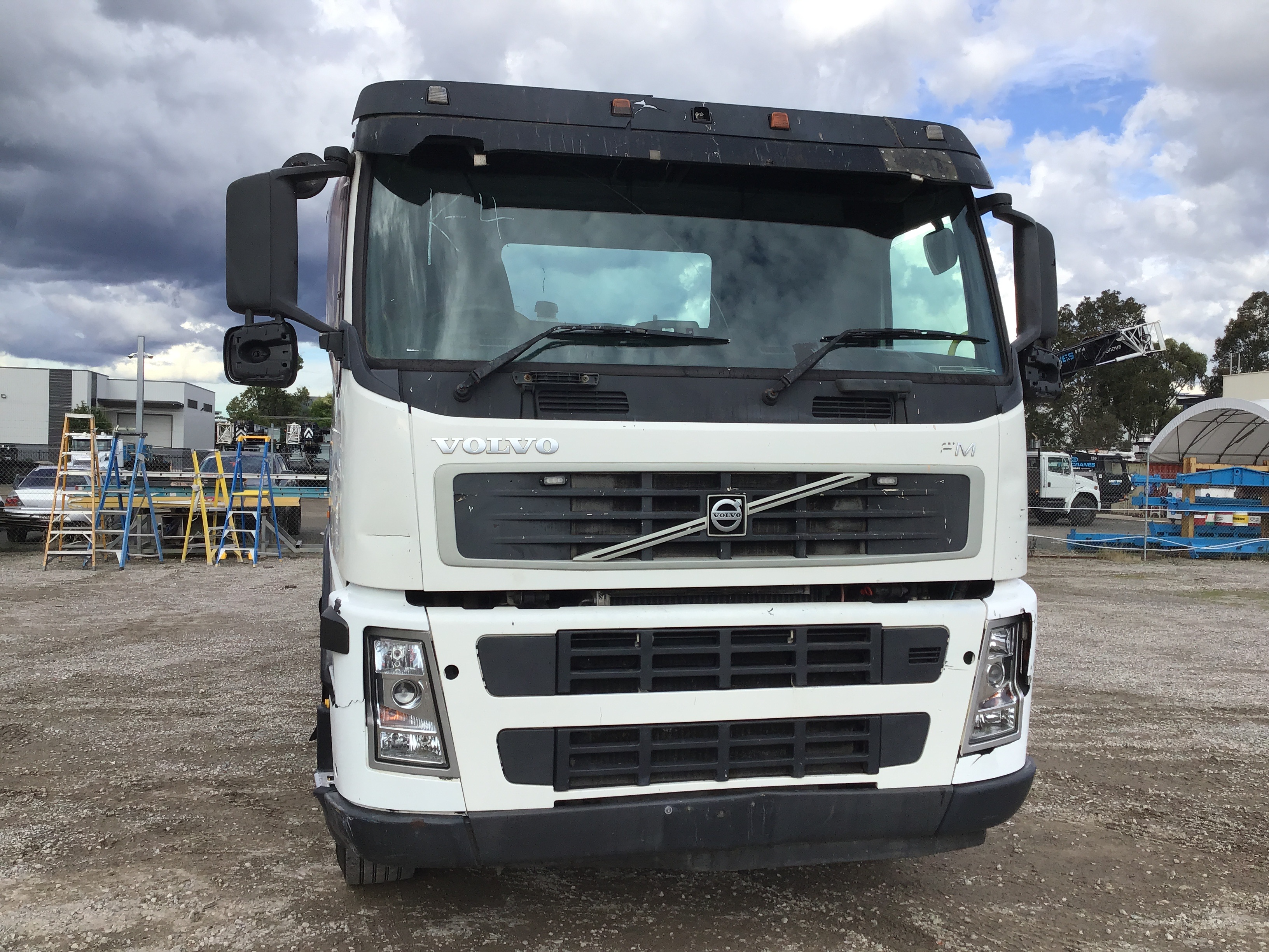 2007 Volvo FM 340 8 x 4 Cab Chassis Truck