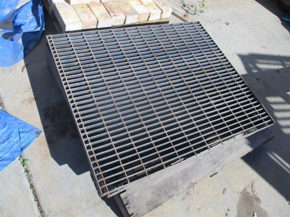 2 x Steel Grates