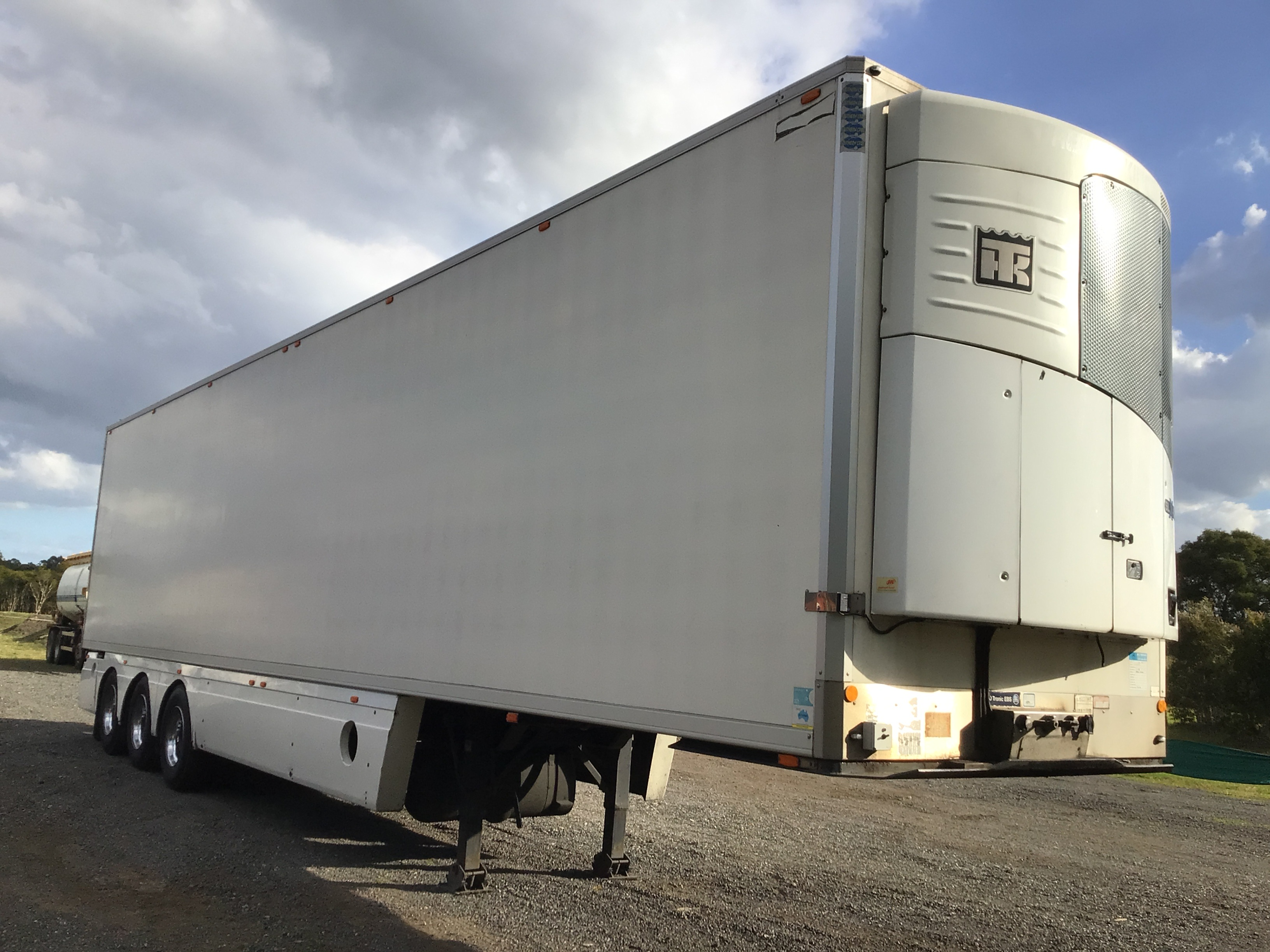 2011 Southern Cross Vans STD Triaxle Refrigerated Trailer