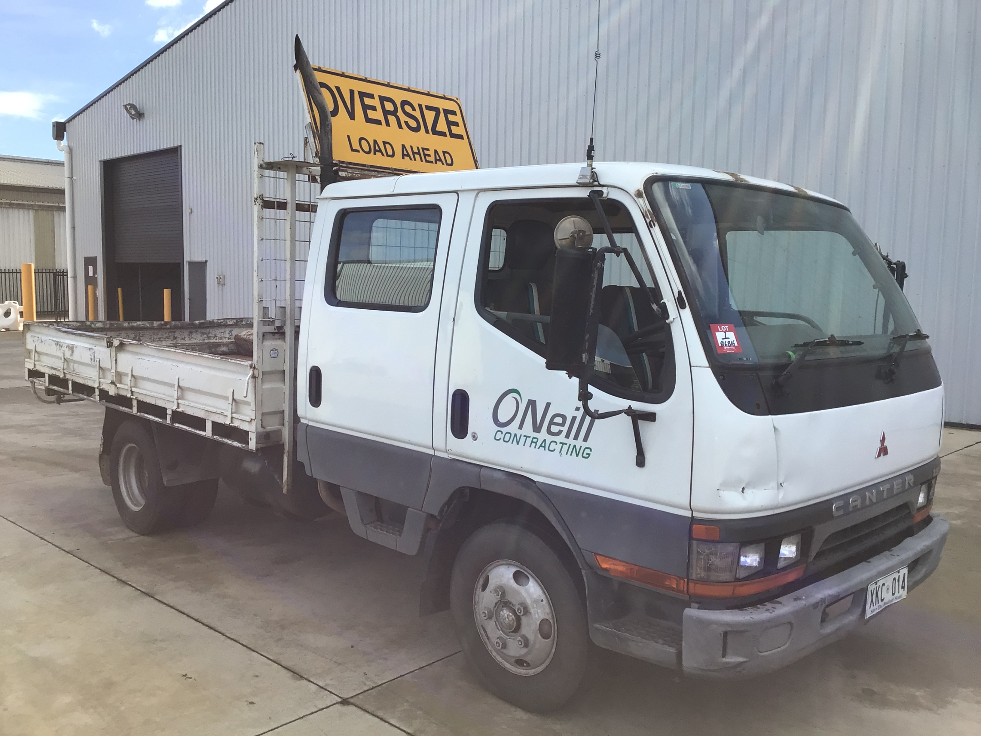 1998 Mitsubishi Canter FE647 500/600 4 x 2 Cab Chassis Truck
