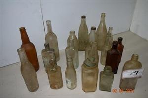 Lot of 20 Antique / Vintage Glass Bottle